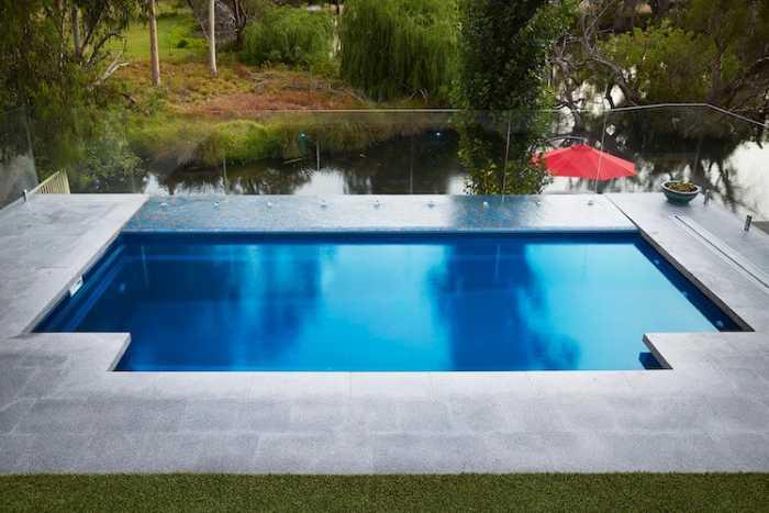 Venice slimline pool 1